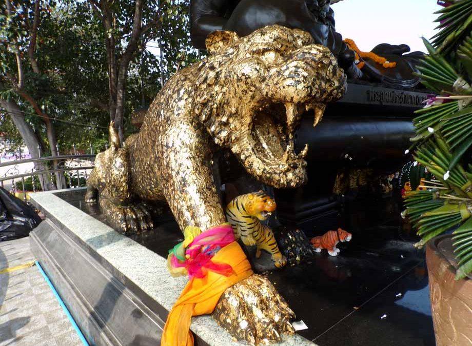 Igiene, spiritualità e tradizione al Wat Bang Phra